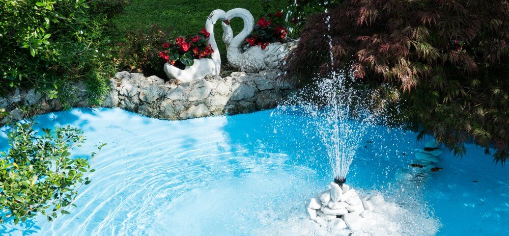 Summary of pool landscaping pros and cons